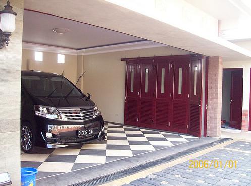model keramik teras dan garasi mobil minimalis