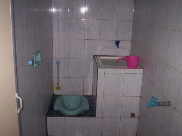 Desain Kamar Mandi Minimalis Kloset Jongkok Shower Bagikan Contoh